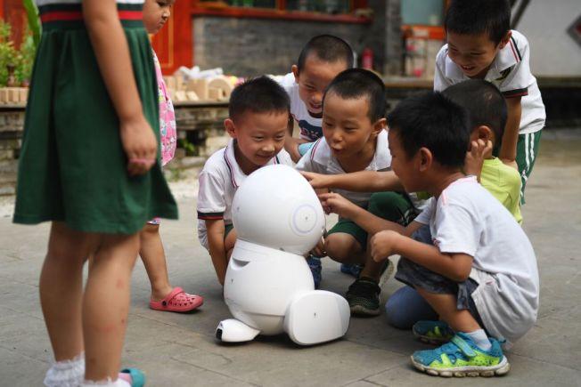 有專家提倡「無科技童年」。(Getty Images)