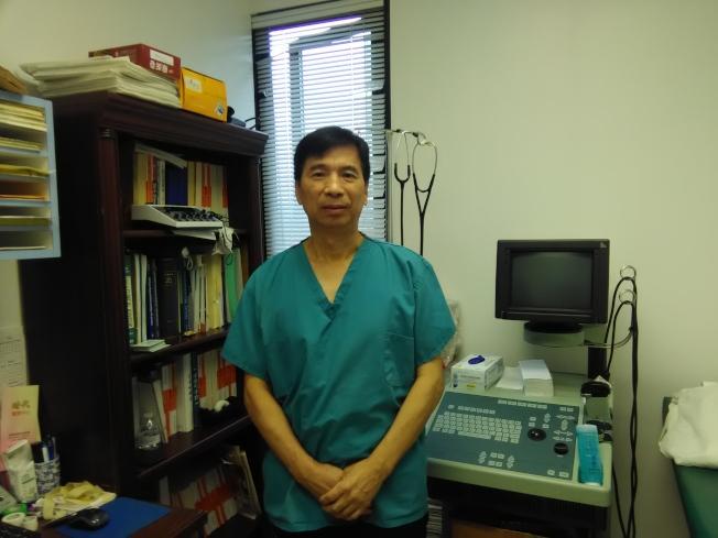 尹熙鵬說,華裔性病病人較多,且呈升高之勢。(韓傑/攝影)