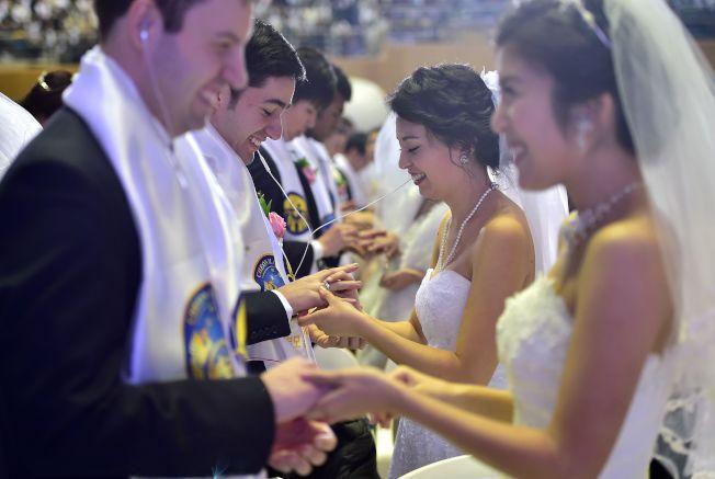 醫生建議,在同居或結婚前,雙方應該做體檢。(Getty Images)
