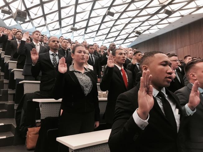 500名預備警員25日宣誓。(記者牟蘭/攝影)