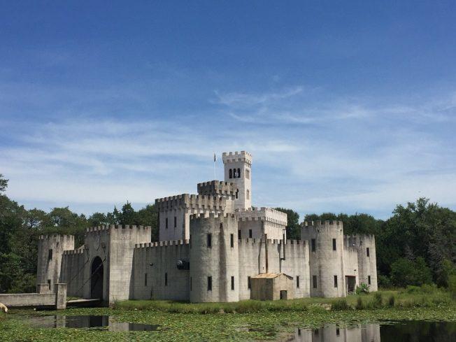 德州牛仔 自建歐洲城堡