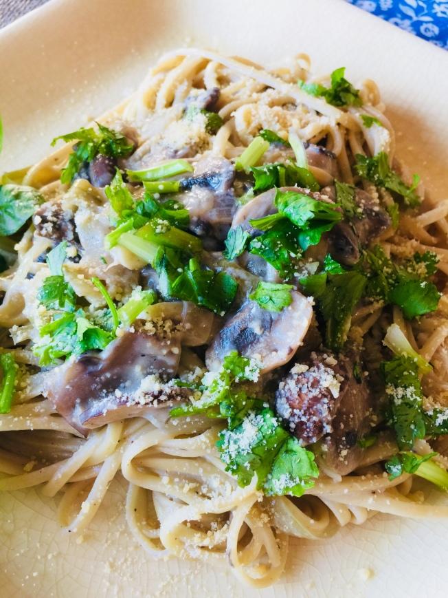 奶油蘑菇義大利麵