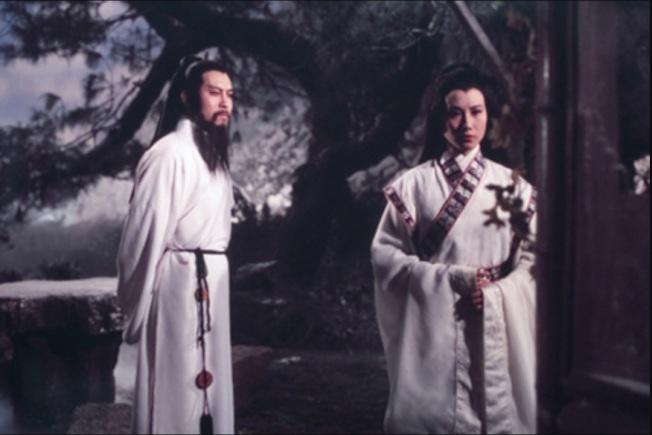 岳華與汪明荃在「圓月彎刀」有對手戲。(取材自Celestial Pictures)