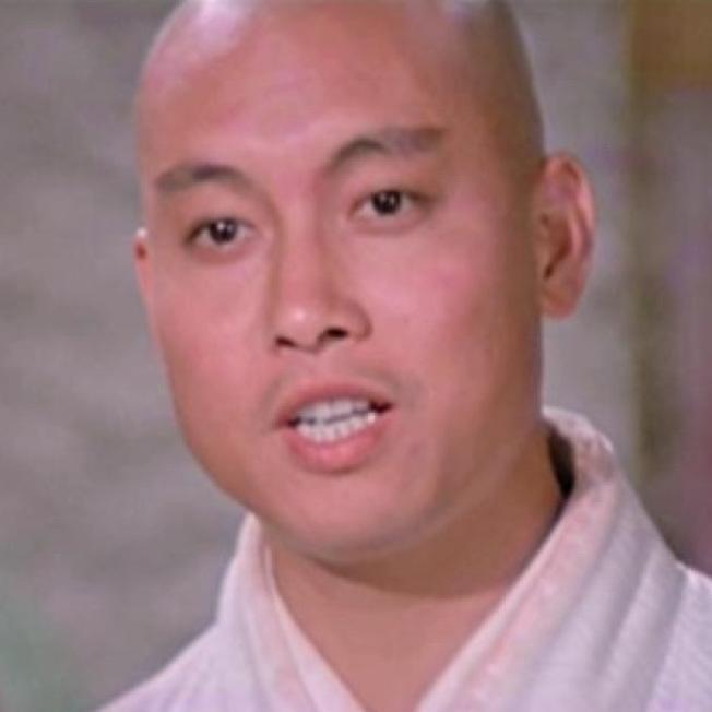 岳華在邵氏電影「楚留香」飾演無花和尚。(取材自HKMDB)