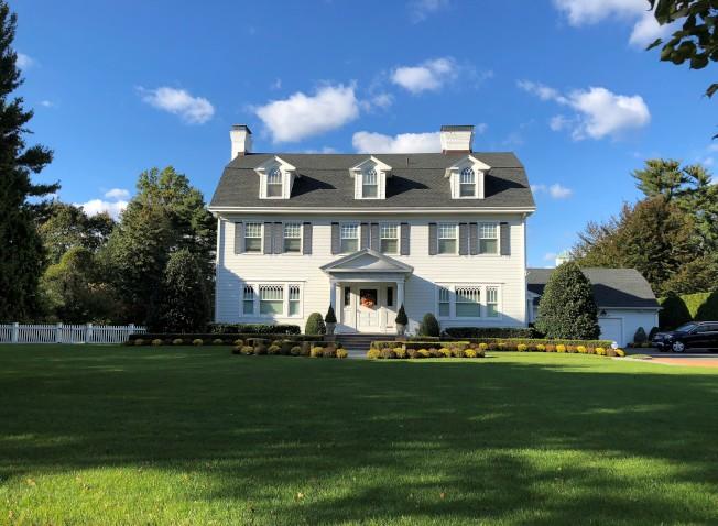 花園市有很多房前一片大草坪的獨立屋。(記者朱蕾/攝影)