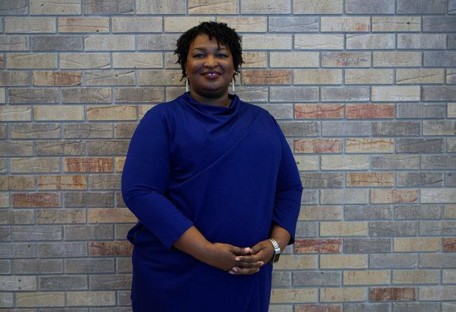 喬治亞州民主黨州長候選人史黛西.艾布蘭有可能成為首位非洲裔女州長。(路透)