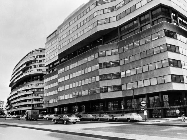 水門案最後一批保密文件在44年後終於見光。圖為因為一個硬被撬開的鎖而引發水門案的水門大樓。(Getty Images)