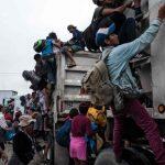 軍隊擋道 「自尊被玩弄」 大篷車移民快崩潰了
