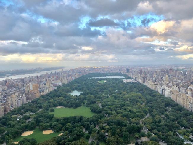曼哈頓高檔公寓的賣點是能夠看到中央公園。(David許/提供)