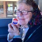 「我投票了!」82歲老婦生平首次投票 4天後過世