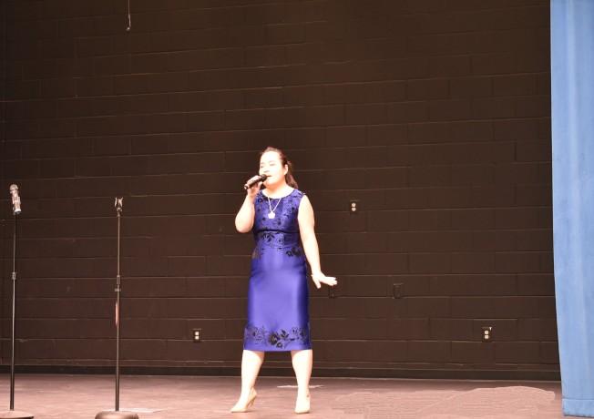 黃戈曾與張韶涵同台合唱「歐若拉」。
