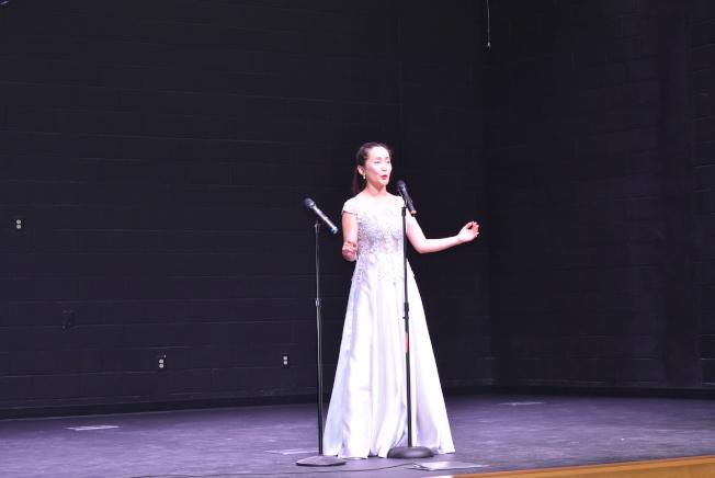 李靜雨用義大利語表演歌劇「哦,我親愛的愛人」。(記者李君蘭/攝影)