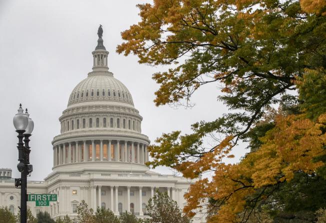期中選舉結果,民主黨奪回眾院,共和黨保住參院,兩黨對立更形尖銳。(美聯社)