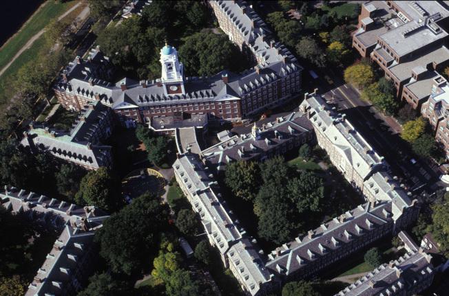 哈佛大學佛被控入學歧視案,引起廣泛關注。(本報資料照片)