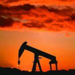 OPEC明年擬減產 油價反彈