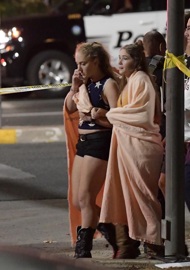 美國加州洛杉磯郊區的千橡鎮7日晚間爆發槍擊案。美聯社