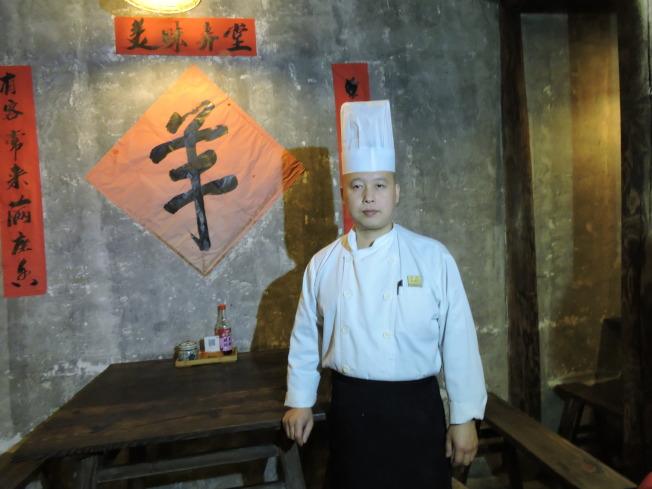 書生麵館廚師長李順驖。記者戴瑞芬攝影