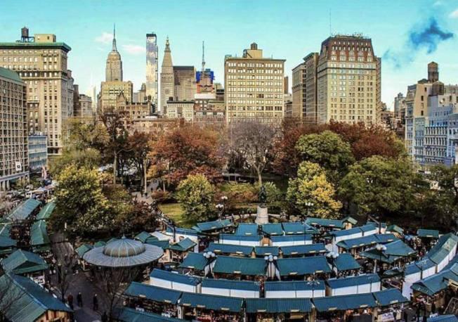 联合广场的冬日集市有将近150各个摊位,围成同心圆。(取自Urbanspace脸书)
