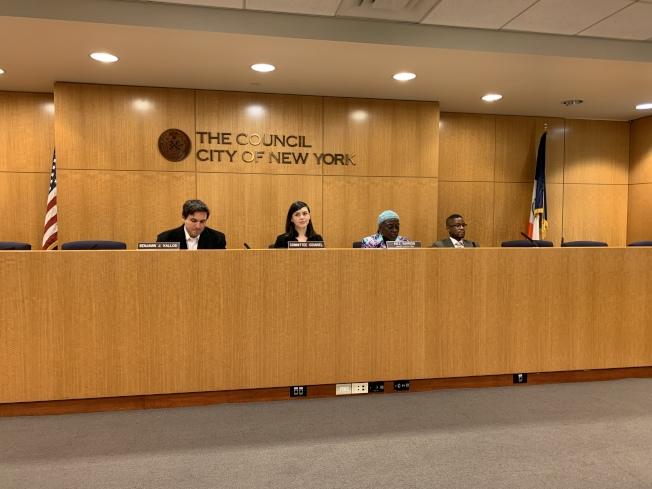 纽约市议会高等教育委员会8日召开公听会,检视纽约市立大学面向其学生的求职服务情况。(记者和钊宇/摄影)