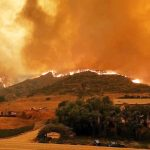 Woolsey山火蔓延 馬里布豪宅區疏散