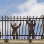 美軍駐邊境堵非法移民 首度與邊防隊聯合行動