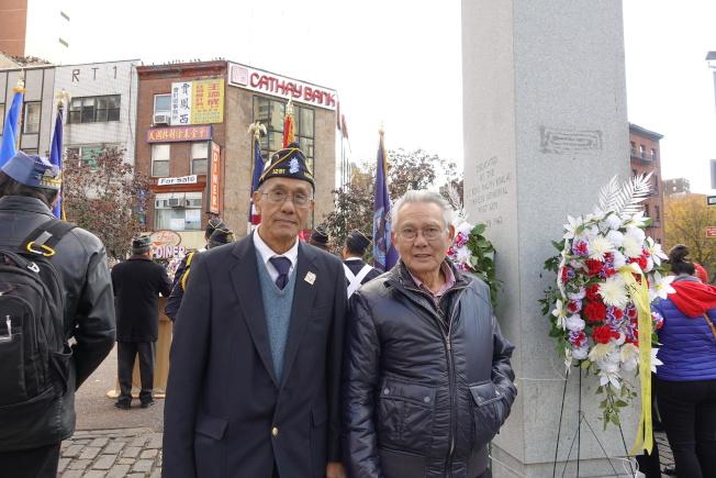 阮瑞山(左)和阮瑞文兄弟是陸軍退伍軍人。(記者金春香/攝影)