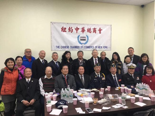 夏瀛洲(前排左四)首次率領中華民國陸海空三軍及海軍陸戰隊的將領到訪紐約。前排左二為于金山。(記者張筠/攝影)