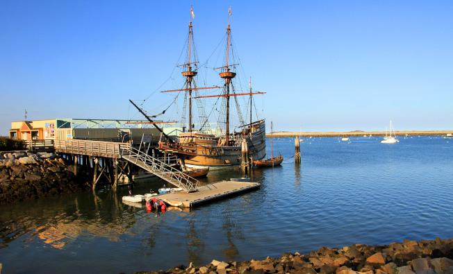 仿造的五月花號木船。