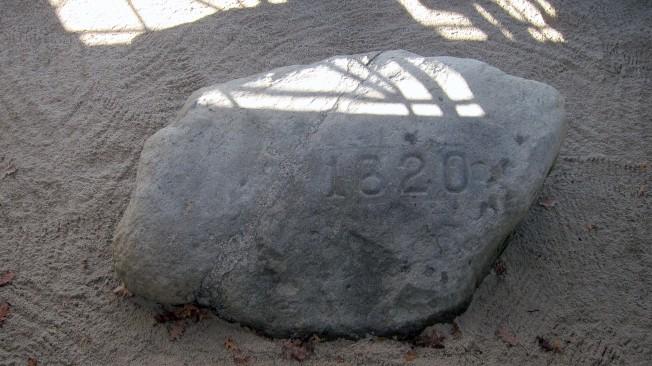 普利茅斯大石。