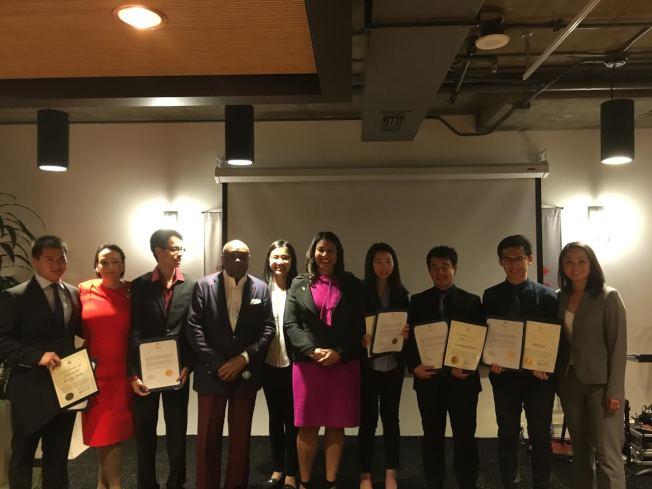 白蘭獎學金  恭喜六位獲得白蘭紀念獎學金的大學生。這些獎學金將幫助他們追求自己的夢想,進大學讀書,獲得成為未來領導者所需的技能。