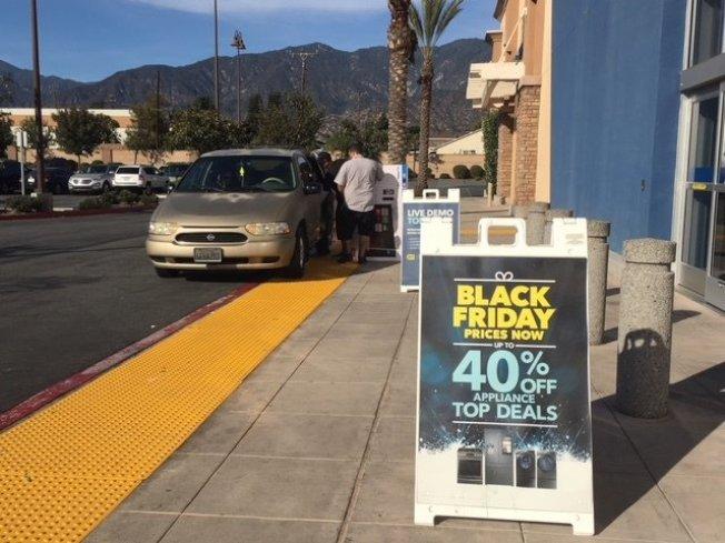 令人期待的一年一度黑色星期五,不少商家都已經開始宣傳折扣力度。(本報檔案照)