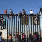 「我們做到了!」首波大篷車移民抵邊界 美國加強巡守