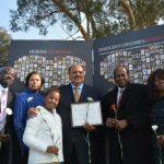 悼瓊斯鎮大屠殺 屋崙珍愛兒童紀念牆揭幕