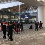 港珠澳大橋口岸起舞 網友:有廣場就有大媽舞