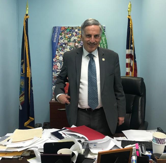 魏普林表示,自川普上任以來,紐約州羈押的無證客人數不斷增加。(記者牟蘭/攝影)