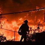 川普任內第1次氣候報告:野火颶風熱浪  災難機率升高