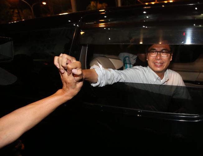 陳其邁宣布敗選,並希望大家未來支持韓國瑜市長、讓高雄更進步。(記者林澔一/攝影)