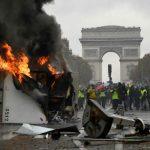 「黃背心」運動變調 法國香榭大道混亂