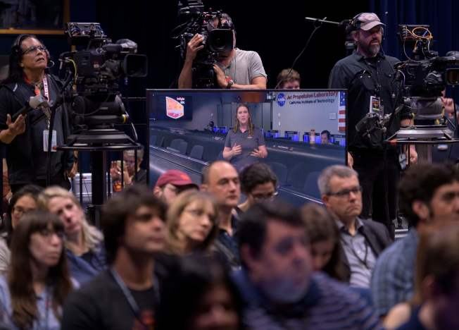 NASA噴射推進實驗室25日記者會。(Getty Images)