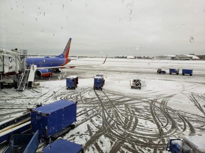 芝加哥中途機場積雪仍為完全清除。(特派員黃惠玲/攝影)