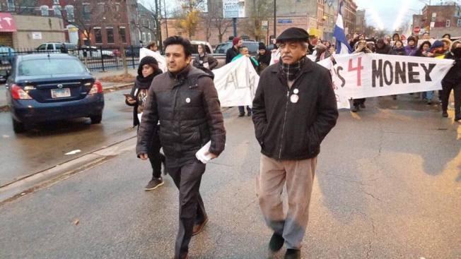盧漢士(前左)積極投入社區運動。(盧漢士臉書)