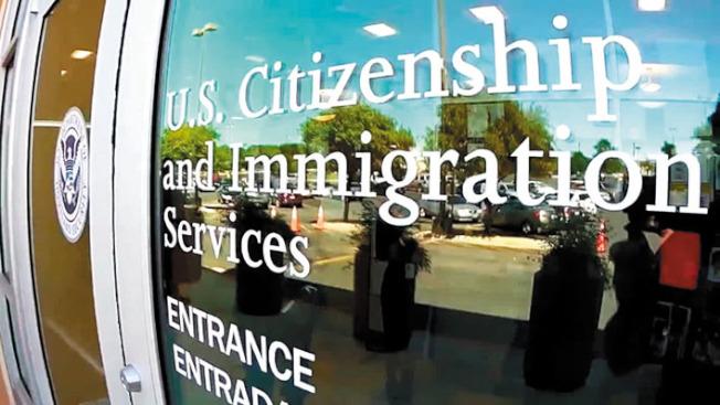 聯邦官員表示,H-1B持有人配偶工作禁令將延至年底前公布。(電視新聞截圖)