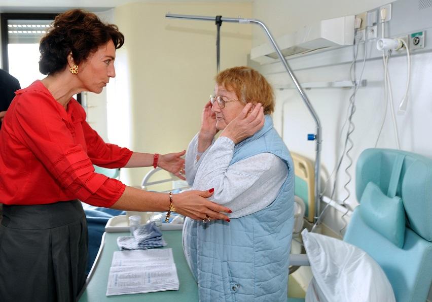 健保計畫要依自身的醫療需求選擇。(Getty Images)