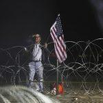 大篷車隊首波1600人抵美墨邊界 漠視戍守美軍