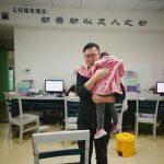 醫生捨發燒女兒優先處理急診 病患用超暖行為回報