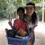 會10幾種語言的柬埔寨天才男孩 獲紅十字會捐助