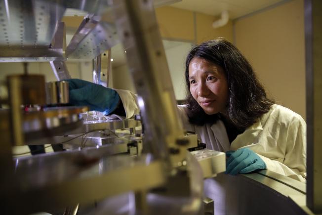 國際度量衡委員會的科學家正在調整重量基準。(美聯社)
