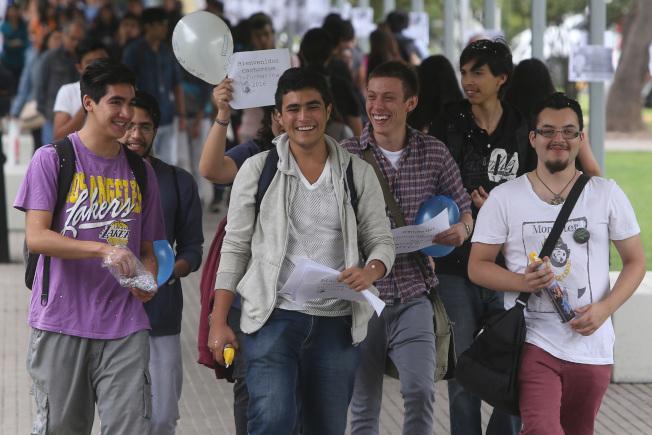 由於大學畢業後失業或未按專業就業,千禧世代面臨著職涯升遷和工資成長的延遲。(Getty Image)