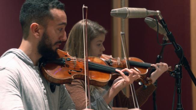 哈靈頓熱愛音樂,85歲前在波士頓交響樂廳當志工,雖然晚年視力退化,仍可聆聽莫札特、海頓等知名音樂家的作品。(美聯社)