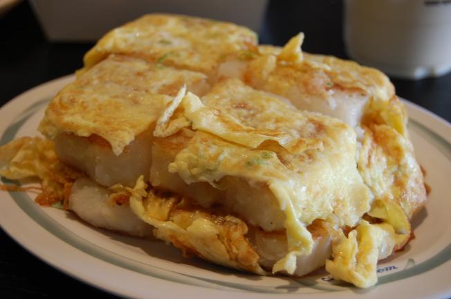 吃太多蛋雖不見得影響血膽固醇量,但可能導致肝硬化。(本報資料照片)